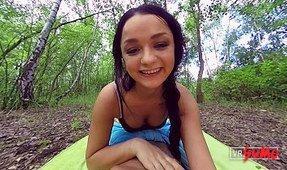 VR Porn Video - Amateur Teen Daphne Loves Having Sex Outside