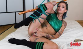 VR Porn Video - Hot Alt Girl Gets Tied Up and Horny