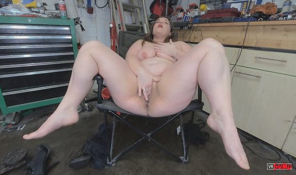 VR Porn Video - BBW Paula Wants To Get Right Down To Business