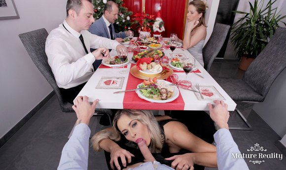 VR Porn Video - Vittoria Dolce Blowing Your Dick At Christmas Dinner