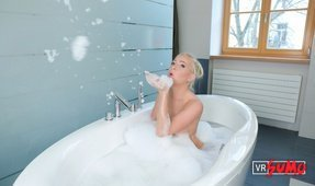 VR Porn Video - Platinum Blonde Kiara Lord Seduces You in the Bath