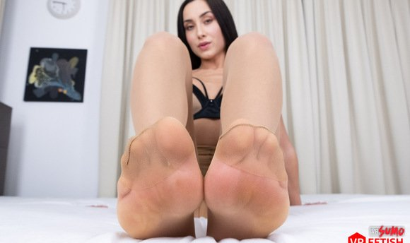VR Porn Video - Amazing Feet Only For You