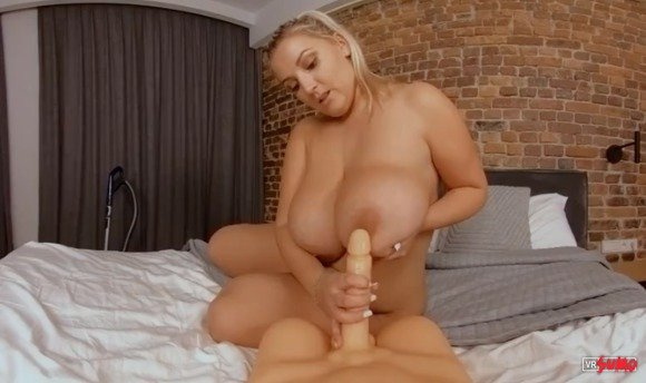 VR Porn Video - Chubby Maid Gives You Nice Riding