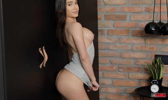 VR Porn Video - Lana Roy Is Super Excited