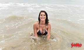 VR Porn Video - Peta Jensen Picks You Up at the Beach