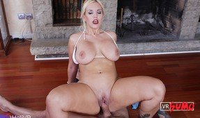 VR Porn Video - BBW Milf Knows Her Way Around a Dick