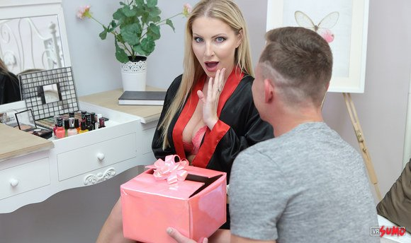 VR Porn Video - Special Gift For My Stepmom On Mother's Day