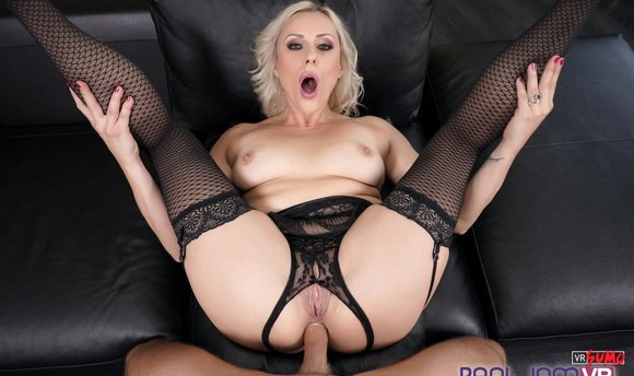 VR Porn Video - Amazing MILF Brittany Bardot Gives Anal Lesson